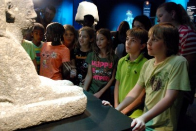 students learning at Franklin Institute