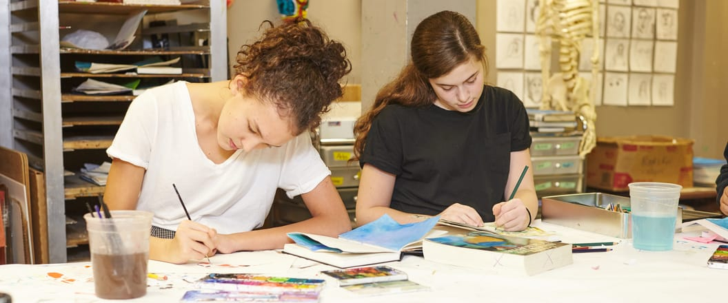 students in fine arts class